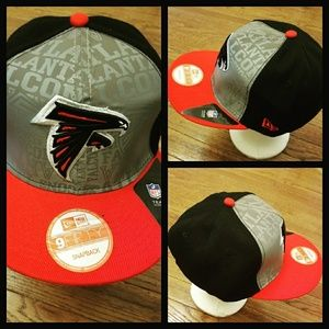f8b0cc25baa AUTHENTIC NFL FOOTBALL SNAPBACK HAT.