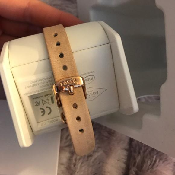 fossil fossil smart bracelet activity fitness tracker q. Black Bedroom Furniture Sets. Home Design Ideas