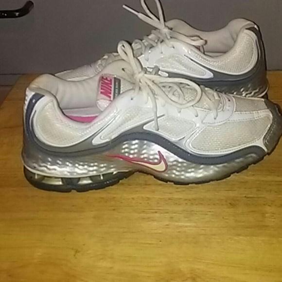 ff8b62ee6 Women's Nike Reax Run 5 Sneakers. M_59405af84127d0559702f827