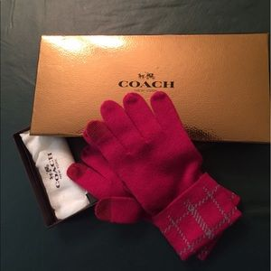 💕Coach💕 Texting Gloves. NEW!!