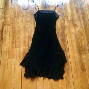 Ariella Dresses & Skirts - Medium black float dress