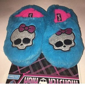 monster high Other - Monster High girl Slippers rubber sole small 11/12