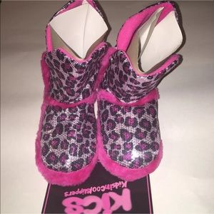 kics Other - kids Slippers booties pink leopard 11/12 13/1 2/3