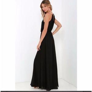 Dresses & Skirts - Black Floor-length Maxi Dress Size S