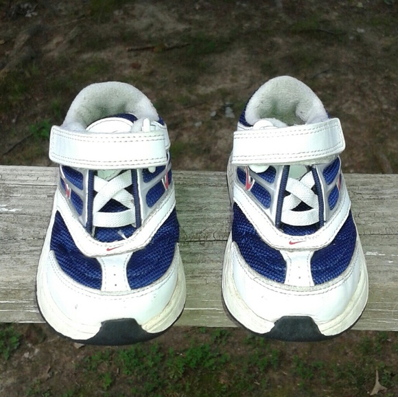 Nike Nike Boys shoe s size 5c toddler from Alice s