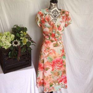 MSK Dresses & Skirts - MSK Size 14 Beautiful & Feminine Floral Dress