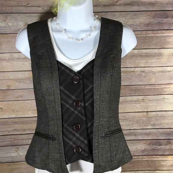 0e0f7310ce2 bebe Tops - Bebe Womens Brown Black Wool Button Vest