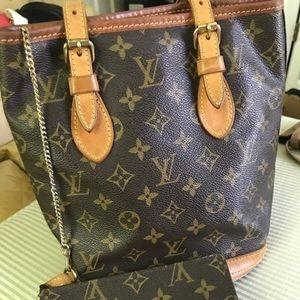 Louis Vuitton Bucket Bag! AUTHENTIC