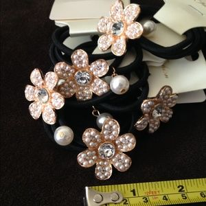 Accessories - 🎁❤ Or 5 Sets for $15: Flower,Pearl,PlainHairband