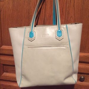 Brooklyn Industries Handbags - 👜🗽BROOKLYN INDUSTRIES Weekend Leather Tote Bag