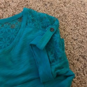 SALE! Express turquoise tee with lace sleeves/back