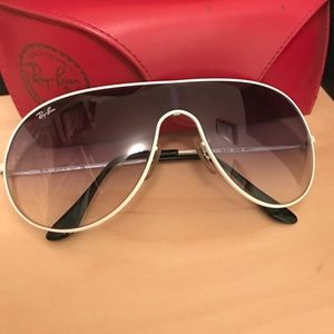 Ray-Ban Accessories - Ray-Ban Aviators