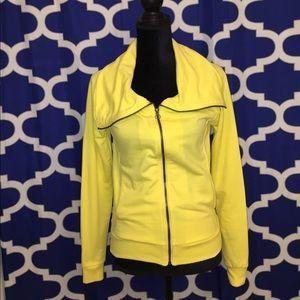 Vintage Sweatshirts Tops - Vintage Sweatshirt size M yellow New