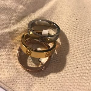 Love ring set of 3 gold, silver, rose gold, size 6