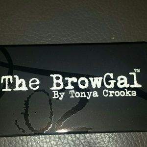 the brow gal