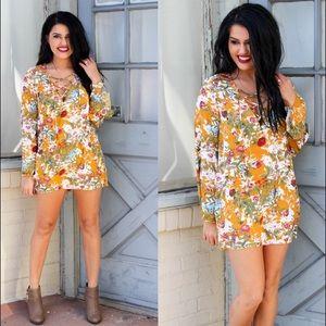 •🆕! Floral Lace Up Neckline Dress•
