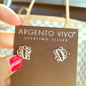 Argento Vivo Jewelry - 🌸Cute earring letter gorgeous style🌸