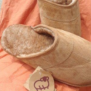 Lamo Other - Great LAMO mens slippers
