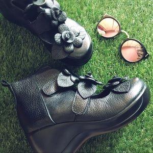 Black Diamond Shoes - Japanese floral platform booties