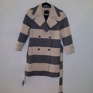 Banana republic trench (burberry-esk)