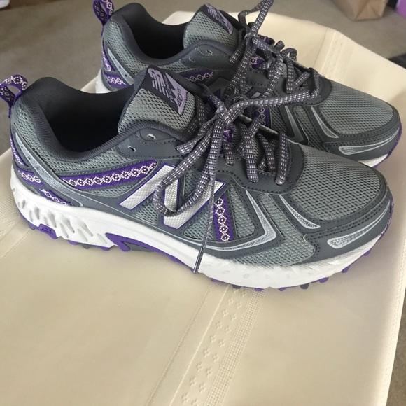 New Balance Womens 4 V5 Trail Running