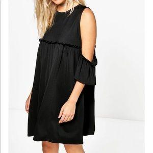Boohoo Dresses & Skirts - Ria cold shoulder dress in BLACK. BNWT