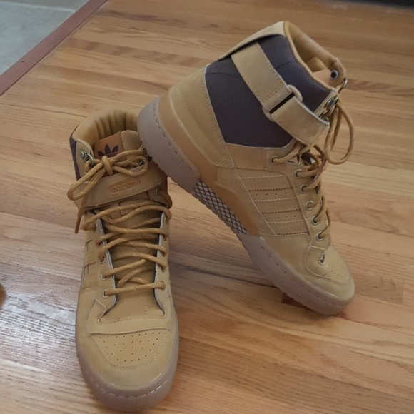 le adidas mens forum - poshmark tan.