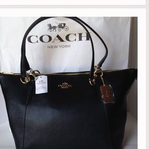 SALE!❤️NWT Coach Crossgrain Leather Ava Black Bag