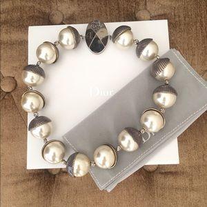 Christian Dior Mise En Dior Pearl Necklace
