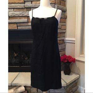 Dresses & Skirts - Black Linen Shift Dress