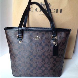 NWT Coach Signature Zip Top Tote Handbag