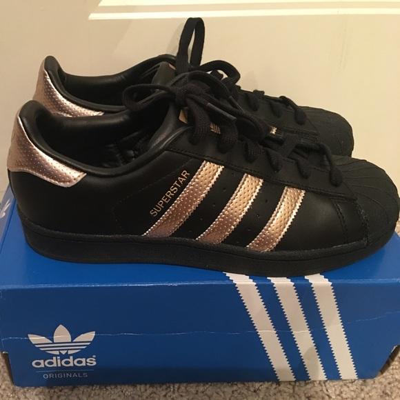 adidas superstar black n gold