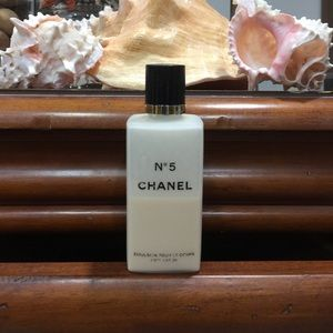 💋💋💋 CHANEL N•5 LOTION ( AUTHENTIC ) 💋💋💋