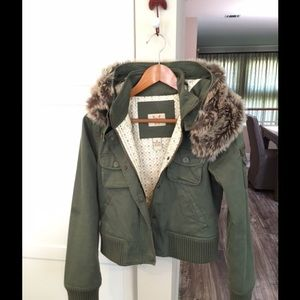 Frankie B. Jackets & Blazers - NWOT Olive green bomber jacket