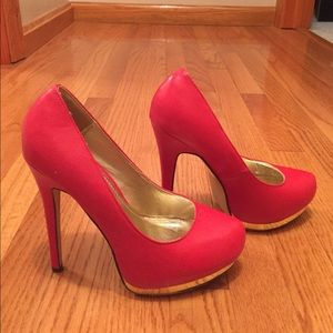 💰Red and gold heels