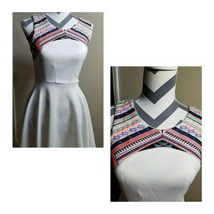 Jodi Kristopher Dresses & Skirts - Embroidered Aztec Print Midi Dress ❤ NWOT