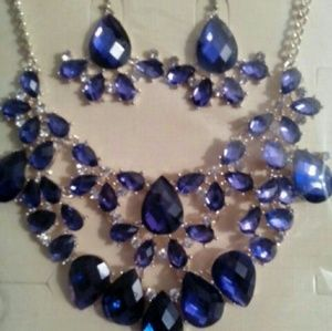 Jewelry - Necklace and earrings