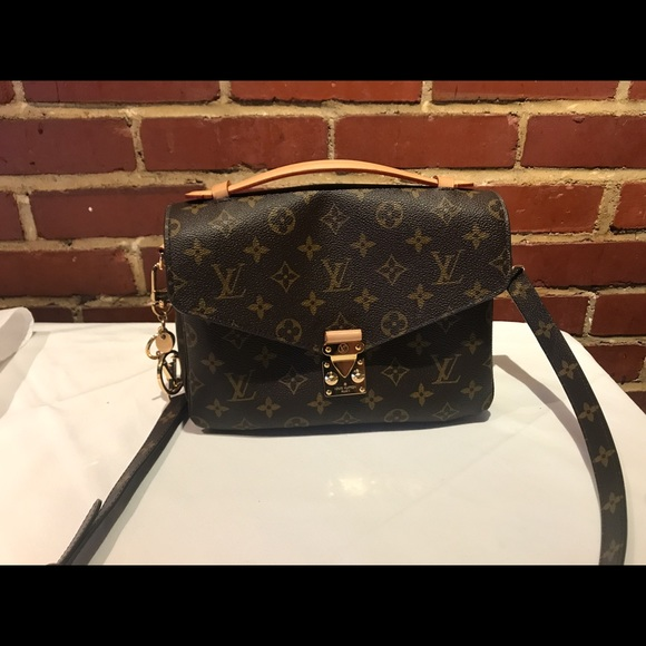 e8746068d568 3% off Louis Vuitton Handbags - 2017 Louis Vuitton Authentic Pochette Metis  from Elisa&#