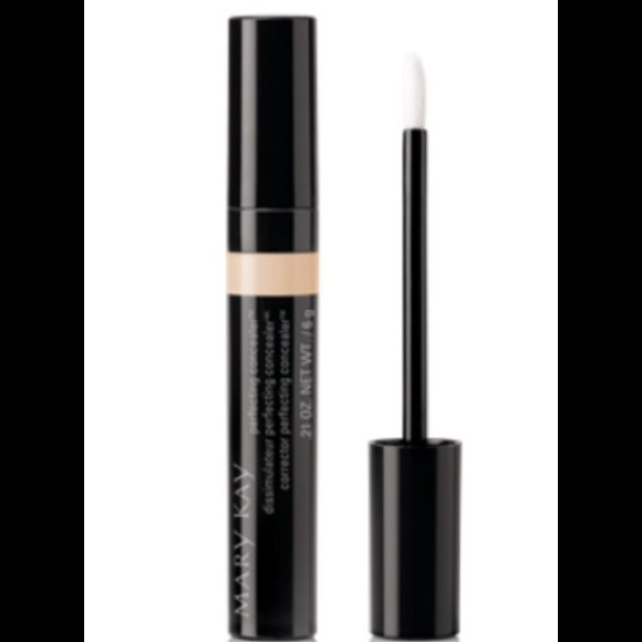 Michael Mccracken Offers Age Fighting Eye And Facial: MARY KAY LIGHT BEIGE PERFECTING