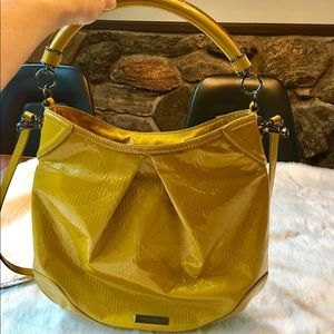 Burberry Handbags - Burberry patent leather hobo style shoulder bag