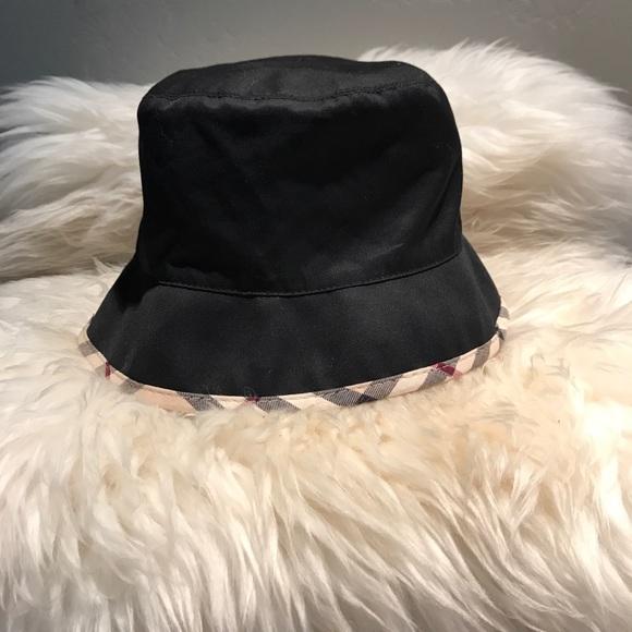 Burberry Accessories - Women s Black Hat Nova Check Trimmed 7e3ec8b0a54a