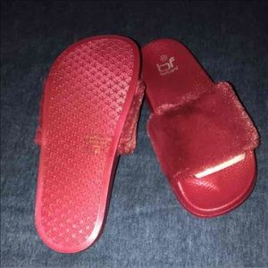 Shoes - Maroon Slides