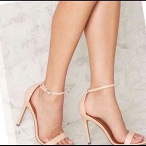 Shoes - Light pink strappy heels