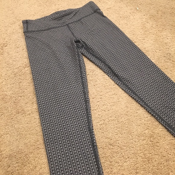 a0477d2a0b Ivivva Pants - Ivivva rhythmic tights with grey knit pattern. :)