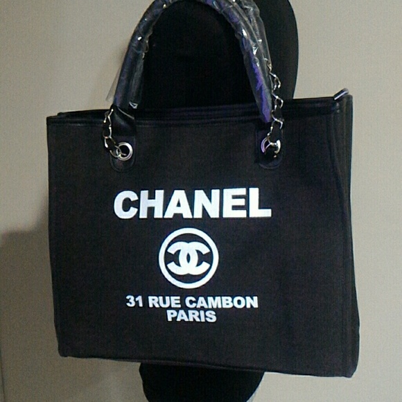 ff6722bba4c6 Chanel bags vip gift canvas tote poshmark jpg 580x580 Chanel vip gift large  tote bag