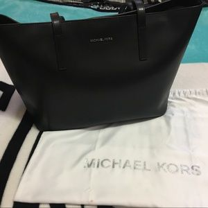 Handbags - Michael Kors Emry Medium Tote
