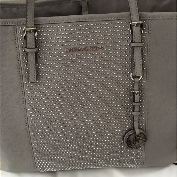 how to clean michael kors saffiano leather