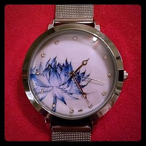 Jewelry - 🇱🇷SALE🇱🇷 Silver Watch Embellished Face Mesh
