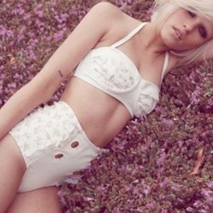 Nwt wildfox hi waist prairie ruffle bikini set xs