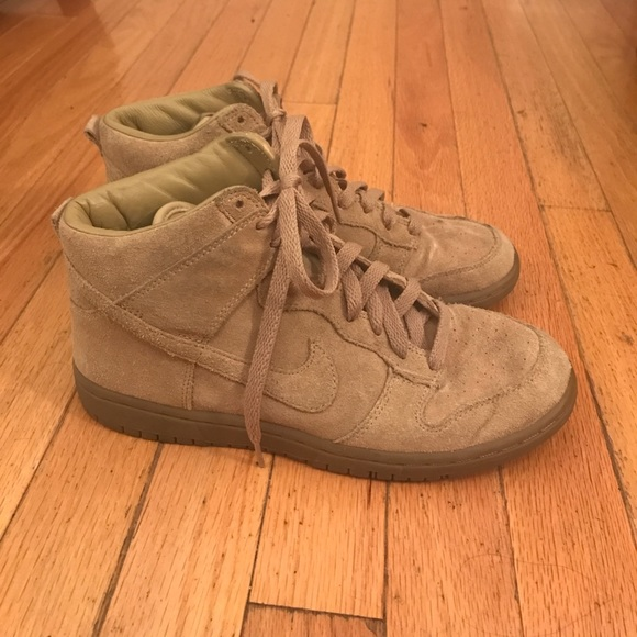 best website 1ebc0 0cefa APC Shoes - APC Nike dunk tan suede sneakers, Womens 8